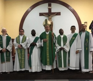Paróquia São Peregrino realiza missa de posse de seu novo Pároco