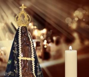 A igreja católica celebra a festa de Nossa Senhora Aparecida