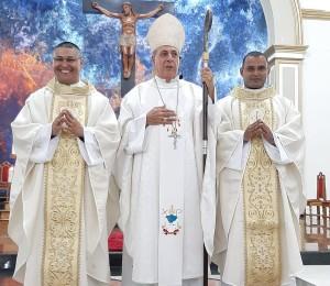 Bispo Dom Joaquim Pertiñez ordena dois novos sacerdotes para servir a Diocese de Rio Branco