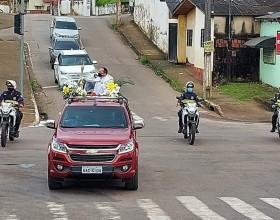 Carreatas levam a Benção do Santíssimo pelas ruas de Rio Branco nesta Páscoa