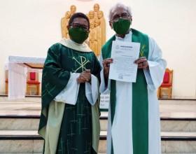 Padre Leôncio Asfury é empossado como novo pároco da paróquia Divino Espírito Santo